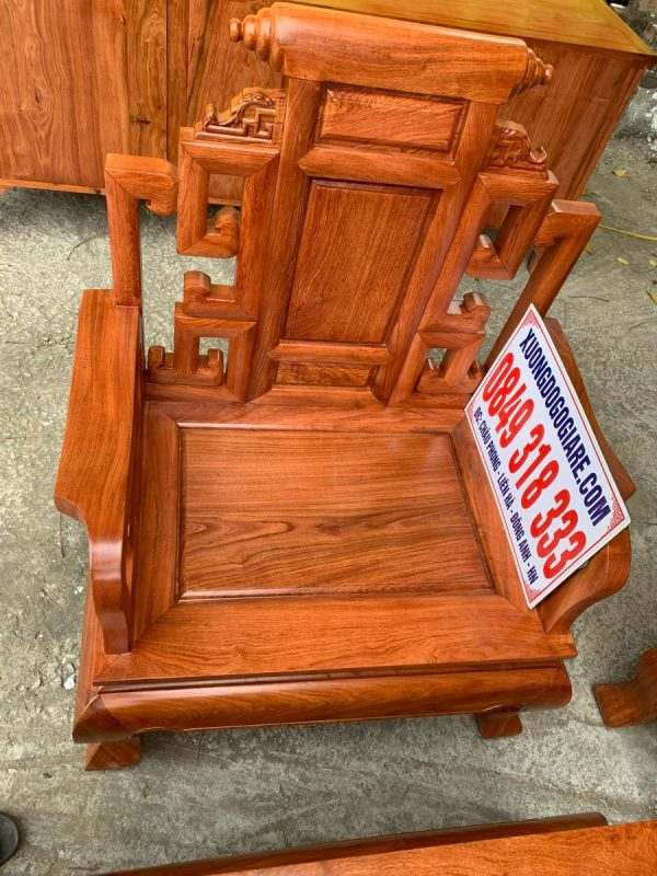 Bàn ghế sơn thuỷ chân 10 siêu đẹp cho không gian phòng khách